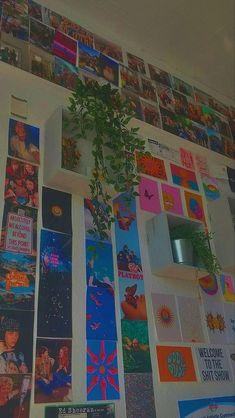 Indie Room Decor, Indie Bedroom, Cute Room Decor, Aesthetic Room Decor, Room Ideas Bedroom, Bedroom Decor, Bedroom Inspo, Bedroom Plants, Chambre Indie