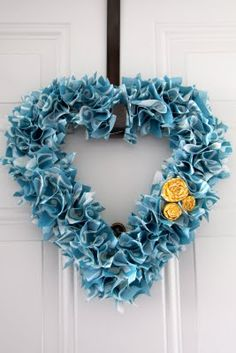 Canvas Heart Wreath - could do this with denim (recycle an old pair of jeans)