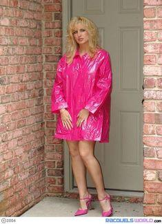 Rain coat Drawing Reference - - Rain coat For Women Columbia - Navy Rain coat Outfit - Stylish Rain coat Street Styles - Pink Raincoat, Raincoat Outfit, Plastic Raincoat, Hooded Raincoat, Plastic Pants, Preppy Outfits, Preppy Style, Rain Jacket Women, Colors