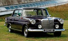 mine is perl color but this one is black is just. Old Mercedes, Mercedes Benz 190, Mercedes Models, Classic Mercedes, Good Looking Cars, Mercedez Benz, Daimler Benz, Rolls Royce, Old Cars