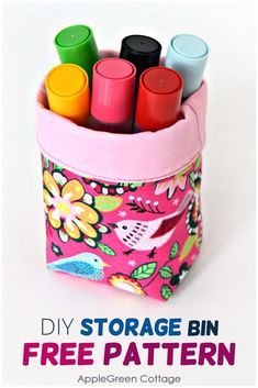 Use this free diy storage bin pattern to make a cute diy storage bin for your crafting nook, kitchen counter or craft room. This mini fabric bin tutorial with a free pattern is a beginner ​sewing pattern and an easy sewing project, and you'll only need little material. A quick sew and easily adjustable - a must-try! Get your free template now! #freepattern #diystorage #sewing Beginner Sewing Patterns, Easy Sewing Projects, Sewing For Beginners, Free Sewing, Diy Craft Projects, Craft Tutorials, Sewing Tutorials, Bag Tutorials, Class Projects