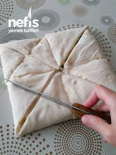 Ice Cream Pastry Kitchen Decor - Home creative ideas East Dessert Recipes, Best Homemade Pizza, Ice Cream Pies, Turkish Recipes, Dough Recipe, Food And Drink, Cooking Recipes, Yummy Food, Delicious Recipes