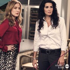 On Rizzoli & Isles, Sharon Lawrence guest stars as Jane helps Maura get to know her biological mother. A person Jane refers to as the. Fashion Tv, Fashion Beauty, Fashion Ideas, Rizzoli And Isles Books, Maura Isles, Tess Gerritsen, Biological Mother, Angie Harmon, Suits For Women