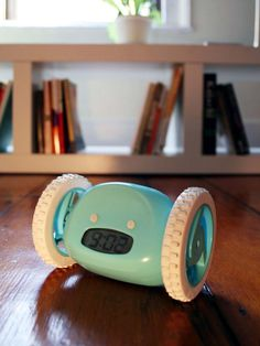 Heading off to college? Check out these apps and gadgets featured on HGTV.com that will help you study more efficiently and maximize your dorm room space.