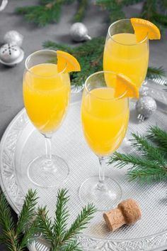 Soupe de champagne - Expolore the best and the special ideas about Liqueurs Healthy Eating Tips, Healthy Nutrition, Homemade Sandwich Bread, Balsamic Mushrooms, Minced Meat Recipe, Couple Cooking, Yummy Food, Tasty, Vegetable Drinks