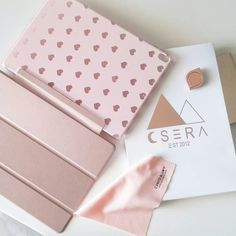 ♥ Hearts on rose gold, now with totally free express shipping! Cute Ipad Cases, Ipad Mini Cases, Cute Cases, Ipad Mini Accessories, Iphone Accessories, Funda Ipad Pro, Moncler, Ipad 4 Case, Coque Iphone