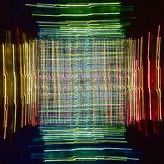 Brücke in Maastricht – Unsere Augen vollbringen im Zusammenspiel mit dem Gehirn unbeschreibliche Leistungen. Was wir aber nicht können, ist das visuelle Abspeichern von Bewegungsabläufen. Die Fotografie kann das. In einer Langzeitbelichtung werden immer neue Sequenzen angehängt, ohne die vorherige zu überschreiben. Bewegende Eindrücke aus Zeit und Raum. 2013, MD | © www.piqt.de | #PIQT