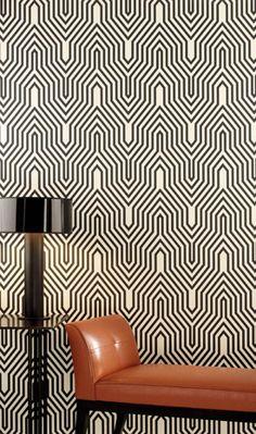 Papel de Parede com linhas geométricas traz um padrão para o ambiente que deve ser usado com cuidado, pois pode cansar a vista.