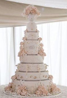 Wedding Rings Simple underneath Traditional Wedding Cake Designs Pictures as Wed. 8 Tier Wedding Cakes, Extravagant Wedding Cakes, Luxury Wedding Cake, Amazing Wedding Cakes, Elegant Wedding Cakes, Elegant Cakes, Wedding Cake Designs, Wedding Cake Vintage, Purple Wedding