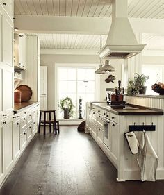 Country Kitchen in White. Love!!