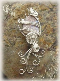 beautiful wire wrapping by goldie