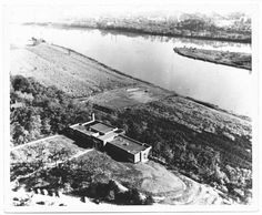 Girls Preparatory School in1948, this is an aerial view of (GPS), a private school for girls, located at 731 Frazier Avenue, Chattanooga, Tennessee from 1947-present (2002). GPS was founded in 1906 and was located at 106 Oak Street from 1906-1915. The school moved to 411 Palmetto (renumbered to 611 in 1921) from 1915-1947, and in 1947 it relocated to its current location.