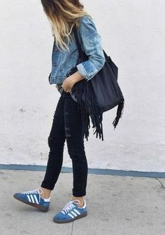 Women's Blue Denim Jacket, Black Ripped Skinny Jeans, Blue Suede Low Top Sneakers, Black Canvas Tote Bag