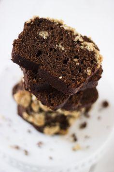 mOcha crumble pound cake