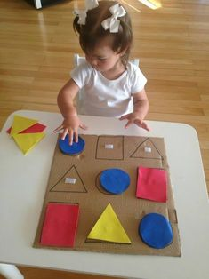 home activities for kids crafts Preschool Learning Activities, Infant Activities, Kids Learning, Activities For Kids, Young Toddler Activities, Learning Shapes, Montessori Toddler, Kids Crafts, Toddler Crafts