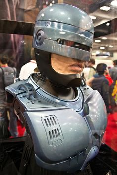 Robocop 2, Real Ghosts, Alien Vs, Fantasy Fiction, Custom Action Figures, Sci Fi Movies, Robot, Sculpting, Halloween Costumes