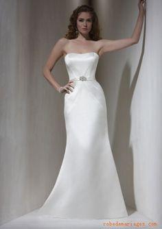 Robe en Satin ornée de cristal et de Broderies avec une ceinture  Robe de mariée sirène
