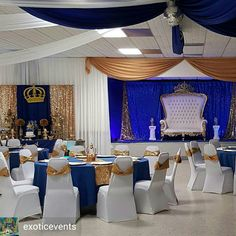 Backdrop on top left corner Love everything about this set up to if you want to copy the entire look Baby Shower Azul, Baby Shower Backdrop, Baby Shower Balloons, Baby Shower Parties, Baby Shower Themes, Baby Boy Shower, Baby Shower Decorations, Royalty Baby Shower Theme, Shower Centerpieces