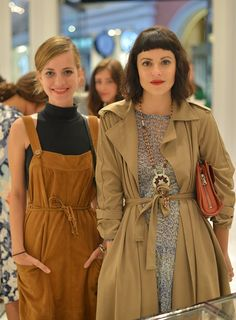 """Designer Sophie Buhai (L) and Sophia Amoruso attend Barneys New York Cocktail Event with Simon Doonan and """"Man Repeller"""" Leandra Medine at Barneys New York At The Grove on September 2013 in Los Angeles, California. Sophia Amoruso, Classy Women, Classy Lady, Elegant Outfit, Barneys New York, Girl Boss, Well Dressed, Fashion Forward, Vintage Fashion"""