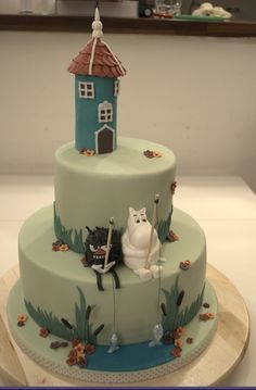 Maybe my Moomin cake toppers can live on this cake. Beautiful Cakes, Amazing Cakes, Wedding Cake Toppers, Wedding Cakes, Les Moomins, Homemade Crackers, Cupcakes, Novelty Cakes, Cake Creations