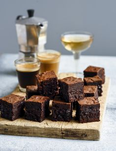 From gluten-free to vegan and classic decadence, this is the best easy brownie recipe for every type of sweet tooth. Unique Recipes, Sweet Recipes, Yummy Recipes, Brownie Recipes, Chocolate Recipes, Classic Brownies Recipe, German Chocolate Brownies, Peanut Butter Brownies, Best Brownies