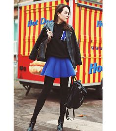 4 different ways to wear Leather Jackets: off duty style add jacket to a skater skirt with sweater and go for instant uber off duty look Denim Shirt Style, T Shirt And Jeans, Leather Jacket Outfits, Leather Jackets, Biker Jackets, H&m Boots, Style Scrapbook, Sporty Girls, Edgy Outfits