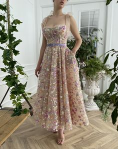 Flowery Dresses, Nice Dresses, Tulle Dress, Sequin Dress, Prom Dress, Strapless Dress, Starry Night Dress, Drape Gowns, Gowns With Sleeves