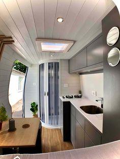 Van Conversion Shower, Van Conversion Interior, Camper Van Conversion Diy, Van Conversion Kitchen, Interior Motorhome, Campervan Interior, Diy Interior, Vw Lt Camper, Luxury Campers