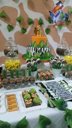 Jungle birthday party desserts! See more party ideas at CatchMyParty.com!