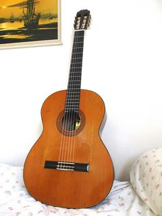 Vintage Arbiter concert scale classical guitar Made in Japan Ibanez made. High end model specially selected for CBS/Arbiter London Hand made and Classical Guitars, Guitar Bag, Great Neck, Hand Shapes, Ibanez, Bone Carving, Back In The Day, Concert, The Fool