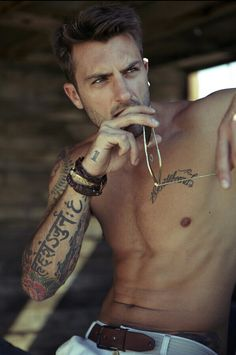 Hot guys with tattoos >>>