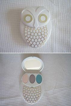 Vintage Owl Compact Mirror and Makeup kit