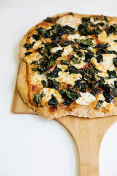 Crispy Kale Pizza-Hello!! I'll definitely be making this w/ all the kale I planted this year!