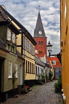 The old town centre of Aalborg / Denmark (by Finn Lyngesen).