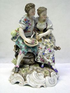 "LOVELY 7"" TALL ANTIQUE GERMAN TRIEBER ENS & ECKERT VOLKSTEDT PORCELAIN FIGURINE in Antiques, Decorative Arts, Ceramics & Porcelain, Figurines 