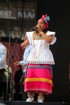 South african traditional outfits for weddings 2017 - Fashionstyle. Traditional Dresses Images, Sotho Traditional Dresses, African Traditional Wedding Dress, African Fashion Traditional, African Wedding Attire, African Attire, African Wear, African Style, African Design