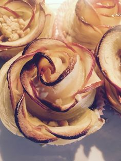 Apfelrosen Love it Total leicht zu machen .. Blätterteig, muffinformen, Apfelscheiben, Nutella