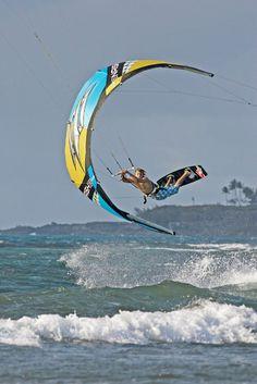 http://share-the-way.com/ Kitesurf - Outdoor Sports