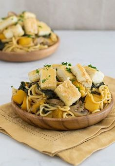 I wanted to marry fall produce with Asian flavor, so I came up with this Butternut Squash And Kale Lo Mein with Crispy Tofu. Use fresh or frozen veggies depending on what you have on hand and the sauce comes together fast. You can also air fry the tofu to make this dish oil-free! #vegan #fallrecipes #butternutsquash Delicious Vegan Recipes, Vegetarian Recipes, Healthy Recipes, Protein Recipes, Healthy Pastas, Healthy Snacks, Healthy Smoothies, Slow Cooker Recipes, Cooking Recipes