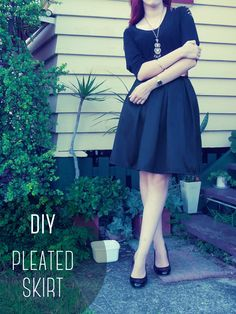 Box-Pleated Skirt DIY Box Pleated Skirt Tutorial with zipper and pockets! Pleated Skirt Tutorial, Pleated Skirt Pattern, Box Pleat Skirt, Box Pleats, Pleated Midi Skirt, Dress Skirt, Diy Clothing, Sewing Clothes, Diy Fashion
