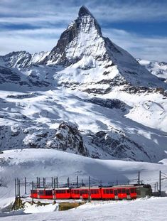 Switzerland Destinations, Places In Switzerland, Europe Destinations, Great Places, Places To See, Beautiful Places, Zermatt, La Provence France, Bergen