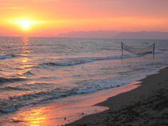 summer sunset #italy #lucca #forte dei marmi #versilia #beach #spiaggia #rivera #mare #sea #vacanze #travel #viaggio #sunset #summer