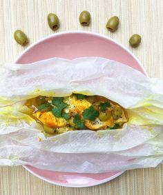 Poulet en papillote façon tagine (olives, curcuma)