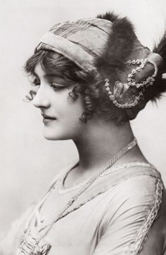"Lily Elsie in ""A Waltz Dream"". 1911"