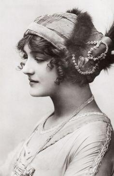 "Lily Elsie in ""A Waltz Dream"". 1911"
