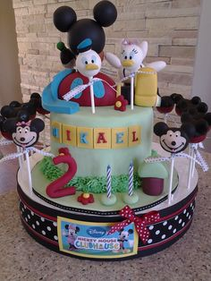 Mickey Mouse clubhouse cake and cake pops