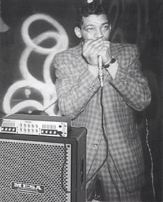 Little Walter with his rig in action...