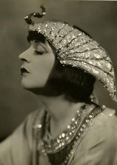 "Jane Cowl (1883-1950) - American film and stage actress and playwright ""notorious for playing weepy roles. Here she is as Cleopatra, 1924"