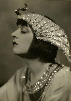Jane Cowl (December 14, 1883 - June 22, 1950) as Cleopatra, 1924