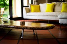 Whether you want to add some good vibes to a dull room or calm a hectic one, impression of a color affects greatly our psychological mood or the ambiance Living Room Colors, Living Room Designs, Living Room Decor, Interior Design, Table, Inspiration, Furniture, Home Decor, Drawing Room Decoration